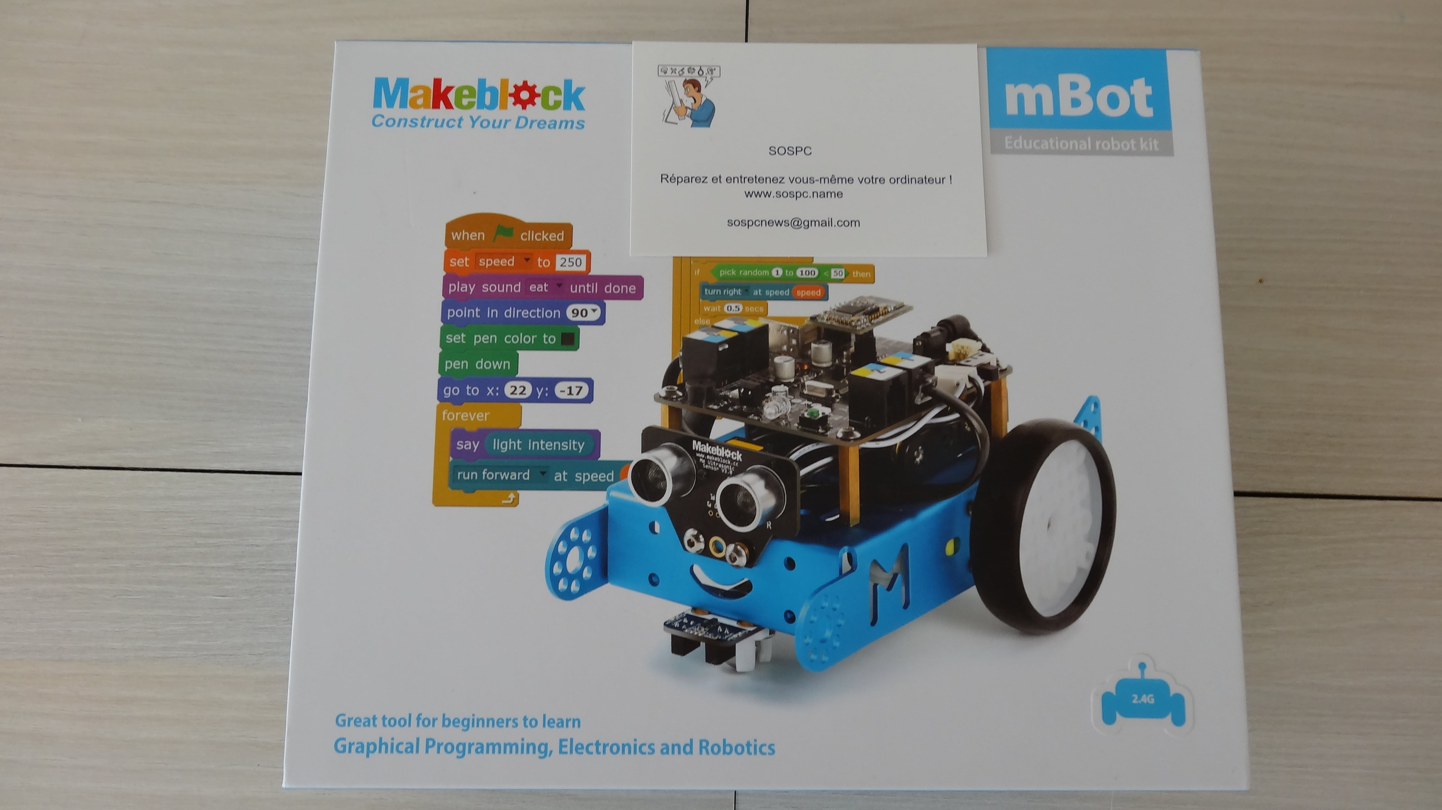 mbot-blue-un-robot-educatif-et-programmable-en-version-2-4-g-tres-interessant-legaragedupc-fr-1
