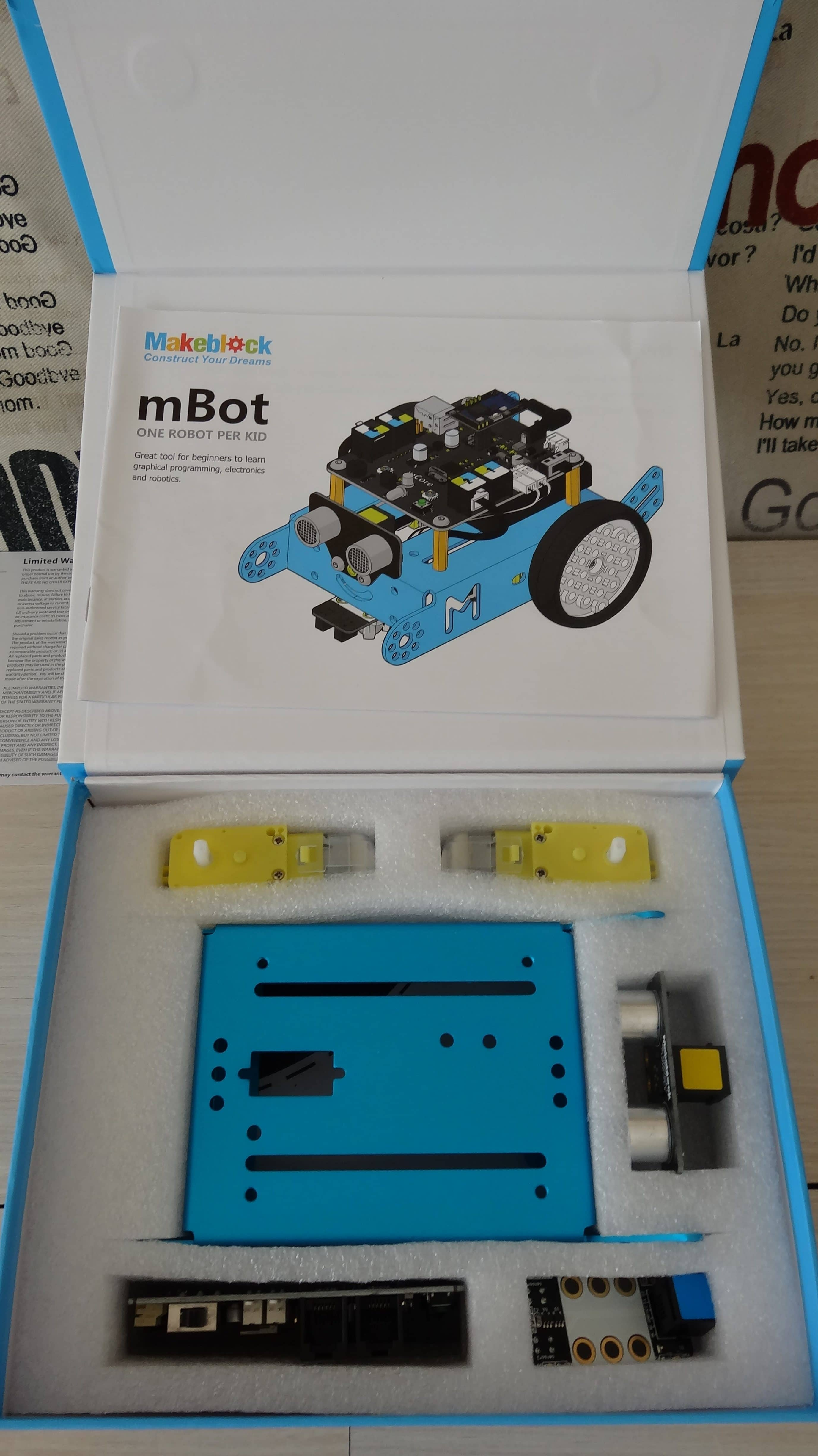 mbot-blue-un-robot-educatif-et-programmable-en-version-2-4-g-tres-interessant-legaragedupc-fr-2