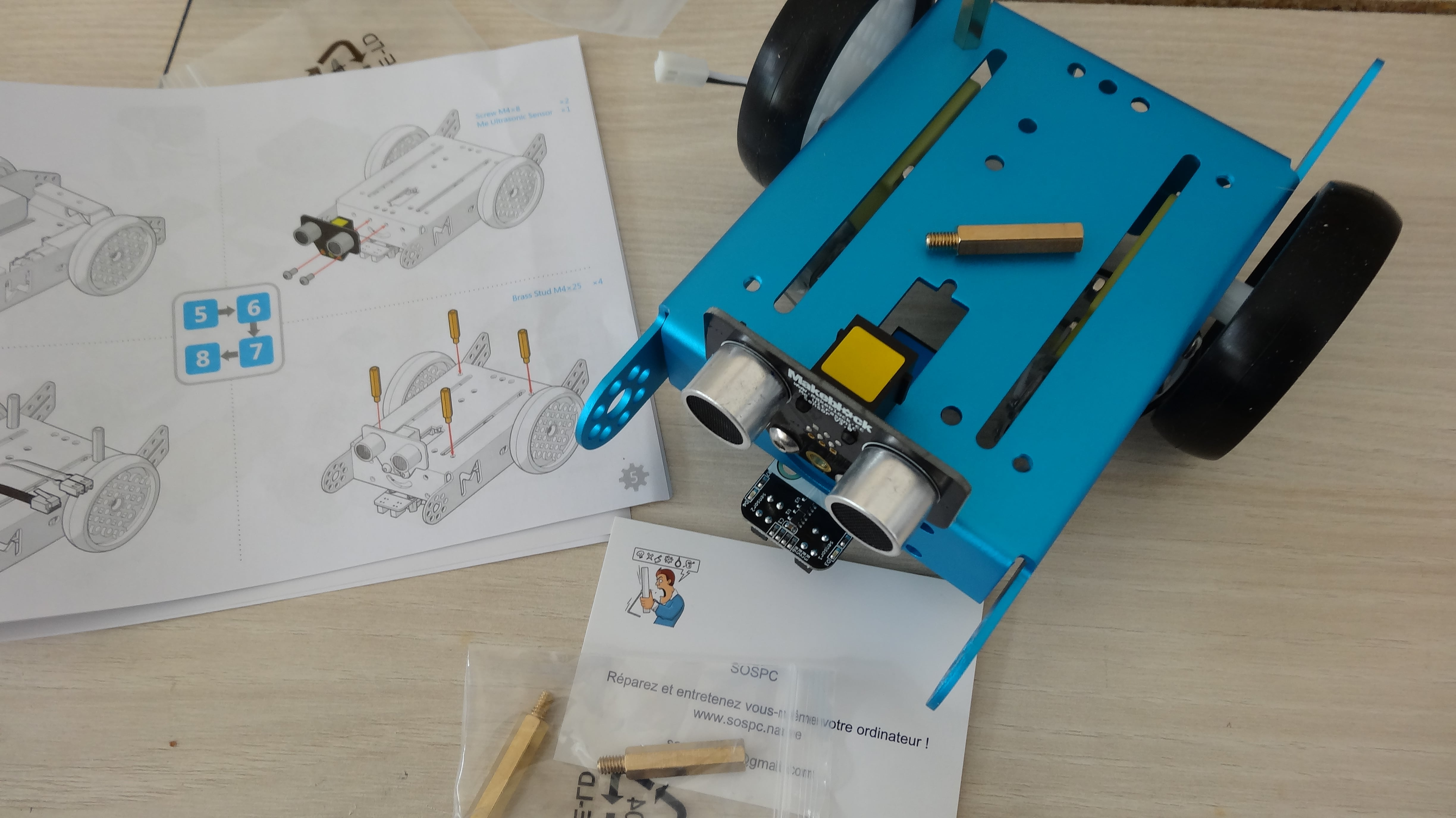 mbot-blue-un-robot-educatif-et-programmable-en-version-2-4-g-tres-interessant-legaragedupc-fr-24