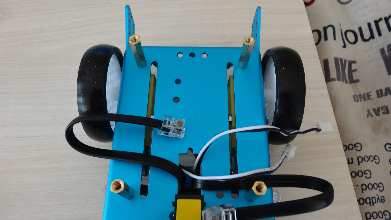 mbot-blue-un-robot-educatif-et-programmable-en-version-2-4-g-tres-interessant-legaragedupc-fr-27