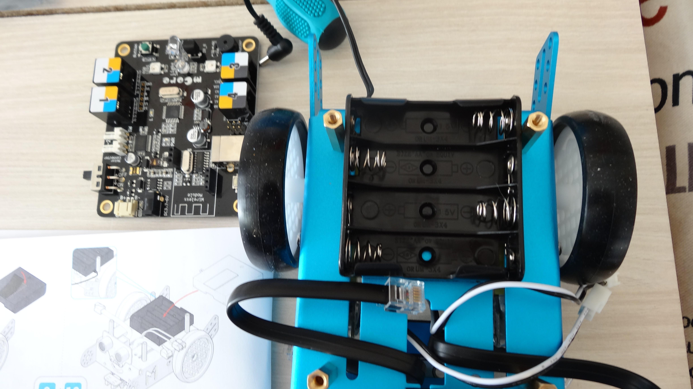 mbot-blue-un-robot-educatif-et-programmable-en-version-2-4-g-tres-interessant-legaragedupc-fr-30