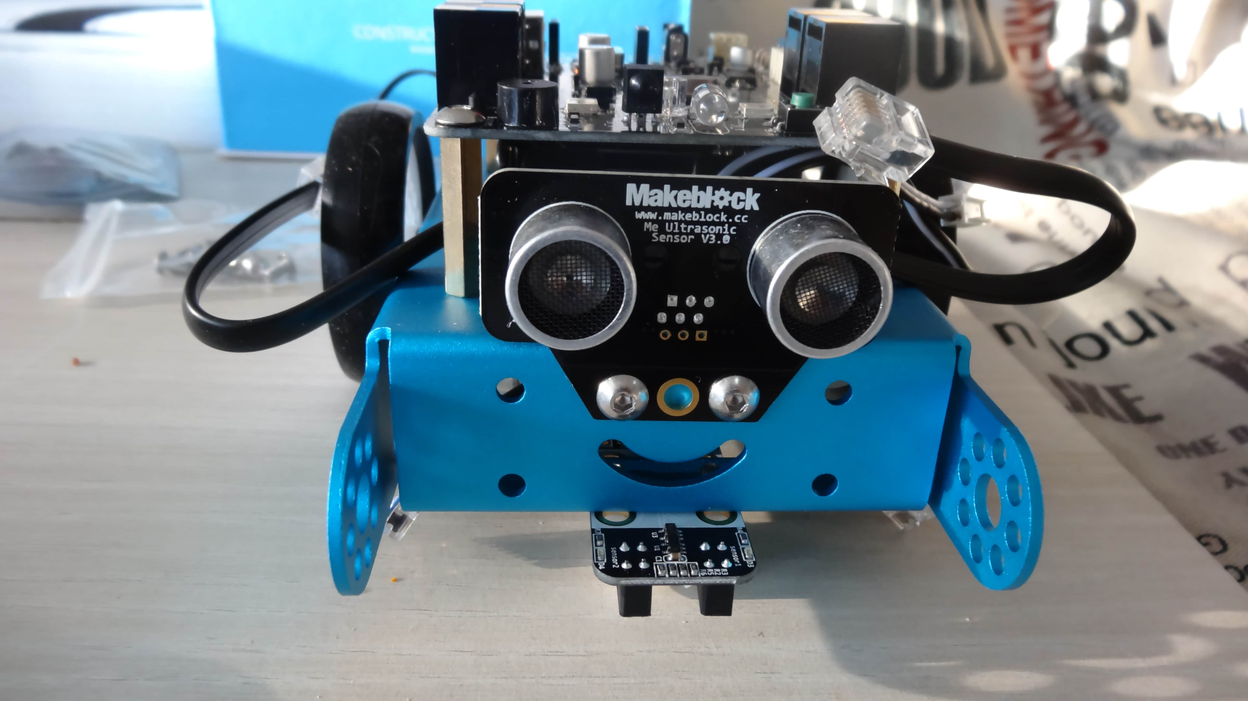 mbot-blue-un-robot-educatif-et-programmable-en-version-2-4-g-tres-interessant-legaragedupc-fr-33