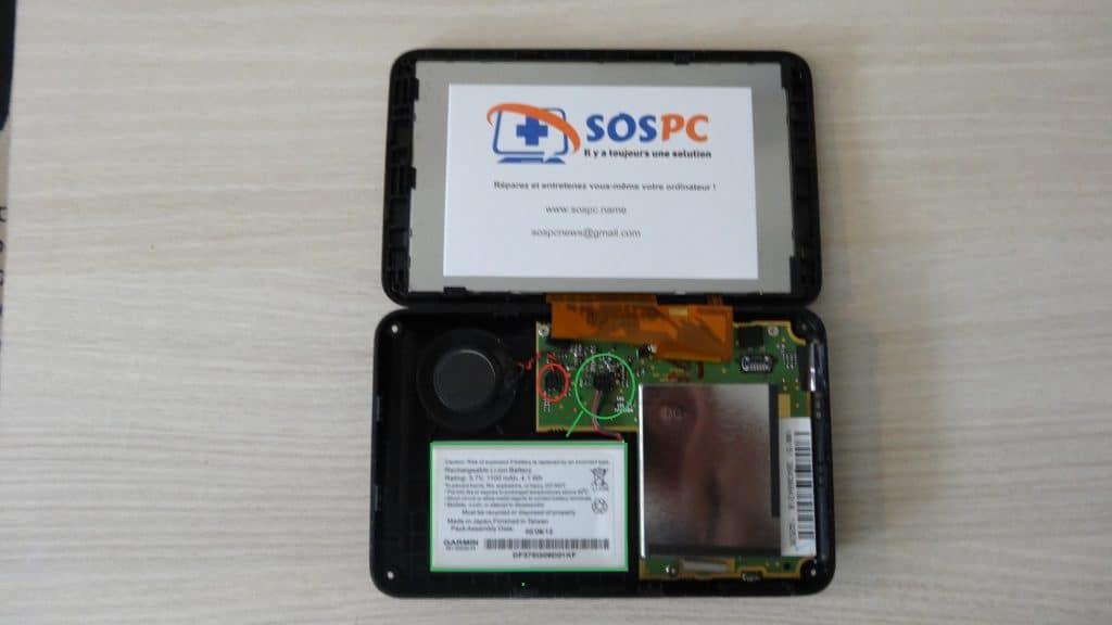 GPS portable : changez vous-même votre batterie comment l'ouvrir aide conseil