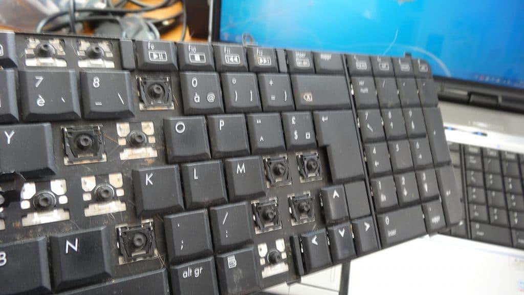 Changement d'un clavier ordinateur portable HP tutoriel 14