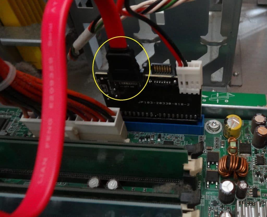 convertisseur bidirectionnel, IDE / SATA ou SATA / IDE.